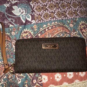 Michael Kors Zip Up Leather Wallet